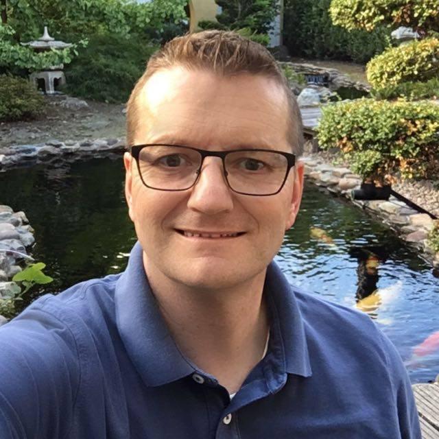 Adviesgroep Koi en vijver Adviseur:  Paul van Mierlo